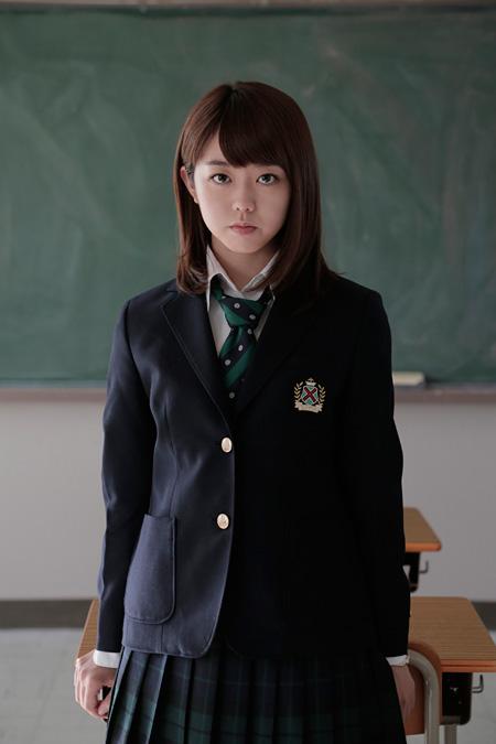 高橋香月役の峯岸みなみ ©映画「女子高」製作委員会