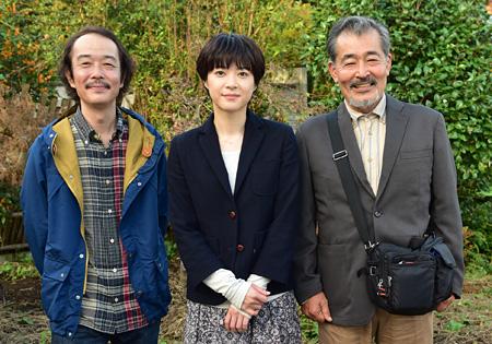 左からリリー・フランキー、上野樹里、藤竜也 ©2015「お父さんと伊藤さん」製作委員会