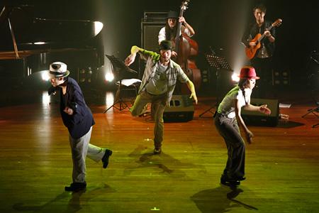 『DANCE DANCE ASIA -Crossing the Movements』』マニラ公演 ©Vincent Coscolluela / DANCE DANCE ASIA