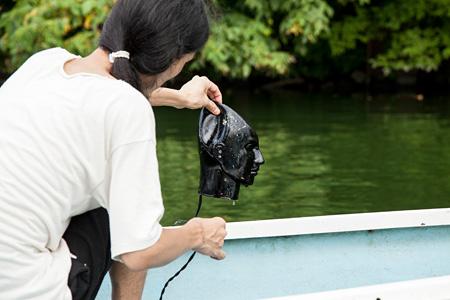 藤田陽介サウンド・インスタレーション『見えない湖』の制作風景 撮影:白井晴幸