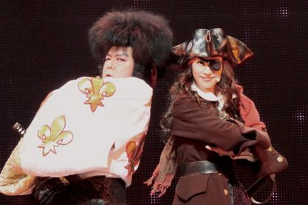 ゲキ×シネ『薔薇とサムライ』 ©2011 ヴィレッヂ/劇団☆新感線