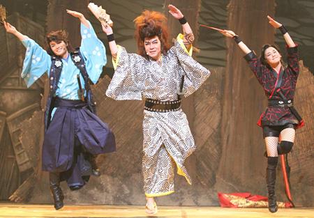 ゲキ×シネ『ZIPANG PUNK~五右衛門ロックIII』 ©2014 ヴィレッヂ/劇団☆新感線