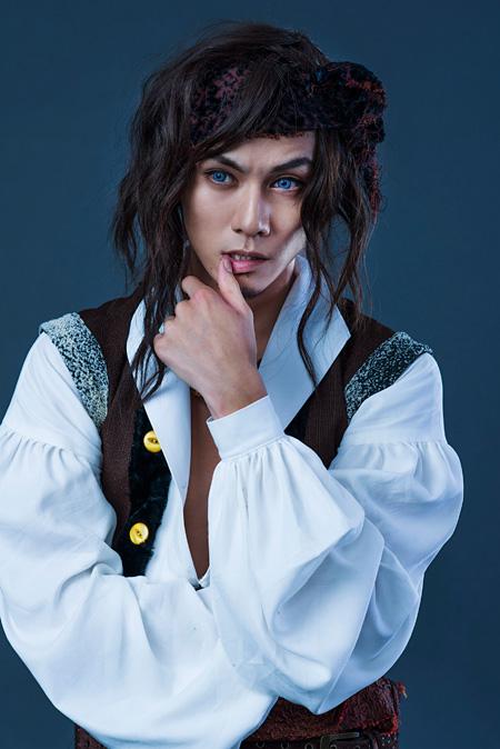 海賊ブラッド役の青木玄徳 ©ミュージカル「リボンの騎士」製作委員会2015