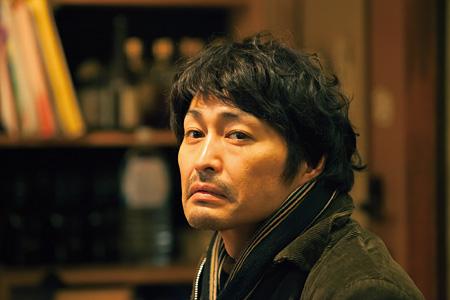 『俳優 亀岡拓次』 ©2016『俳優 亀岡拓次』製作委員会