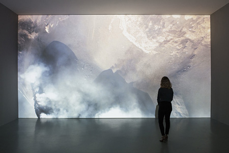 Soleil Noir, 16mm film transferred, 11'40'', 2014 Photos : Claire Dorn Courtesy : Galerie Perrotin, Paris. ©Laurent Grasso / ADAGP, Paris, 2015