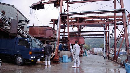 『牡蠣工場』 ©Laboratory X, Inc.