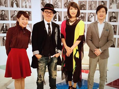 左から片山千恵子、レスリー・キー、ブルボンヌ、ジョン・カビラ 『サキどり』より