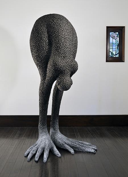 松岡圭介『a tree man』2011年 写真提供:アートシード