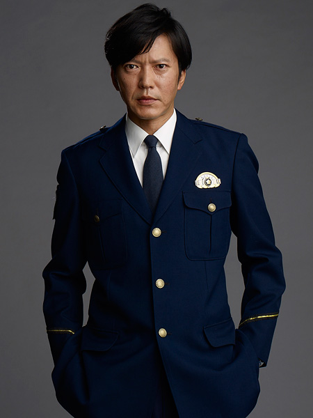 『連続ドラマW 撃てない警官』で柴崎令司役を演じる田辺誠一
