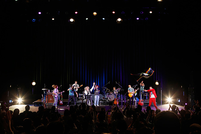 中村一義 11月28日に江戸川区総合文化センターで開催された『エドガワQ2015』より 写真:川田洋司