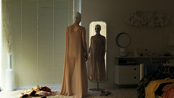 『グッドナイト・マミー』 ©WIEN 2014 ULRICH SEIDL FILM PRODUKTION