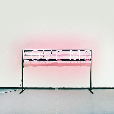 The 1975『Love Me』ジャケット