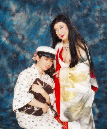 『毛皮のマリー LA MARIE-VISON』に出演する美輪明宏と勧修寺保都