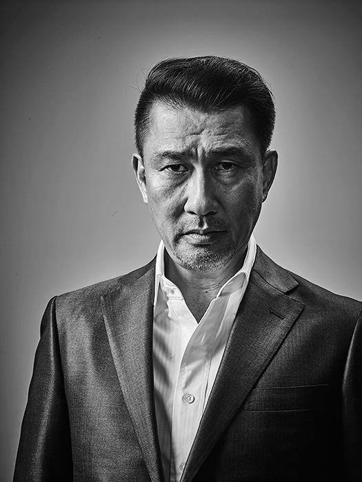 阪口健太役の中井貴一