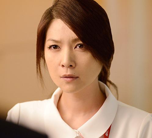 阿部マリア役の飯島直子