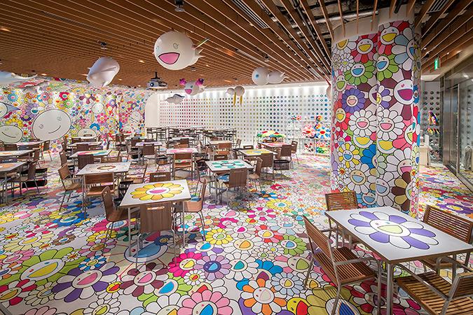 「村上隆のお花カフェ」内観