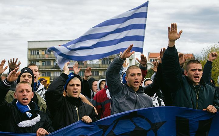 『バーバリアンズ セルビアの若きまなざし』