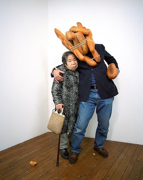 折元立身『Bread-Man Son + Alzheimer Mama, 1996』
