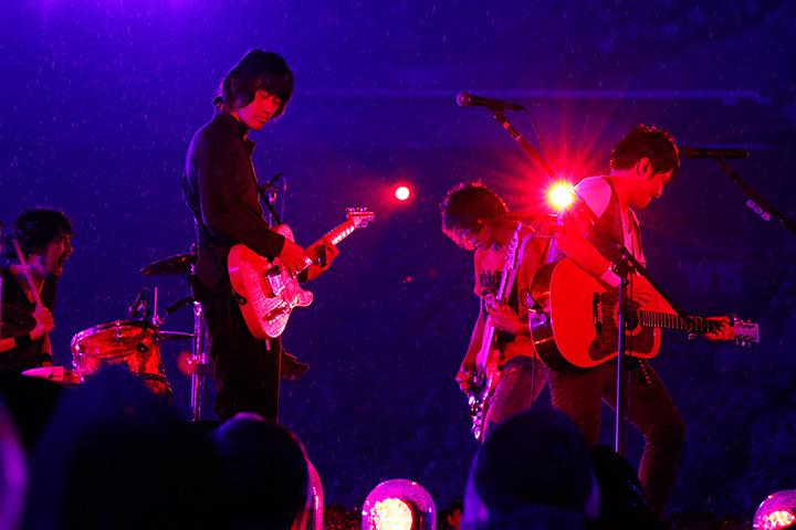 『Mr.Children Stadium Tour 2015 未完』日産スタジアム公演 Photo by 石渡憲一