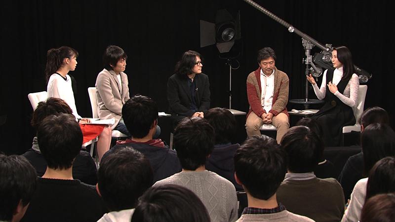 左から飯豊まりえ、千原ジュニア、岩井俊二、是枝裕和、長澤まさみ 『岩井俊二のMOVIEラボ シーズン2』第3回、第4回より