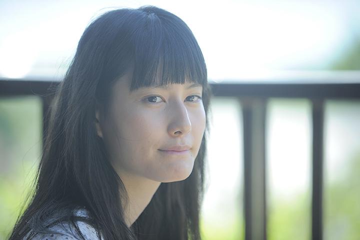 橋本愛と宮崎あおいが母娘役で初共演、映画『バースデーカード