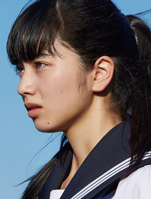 夏芽役の小松菜奈 ©ジョージ朝倉/講談社 ©2016「溺れるナイフ」製作委員会