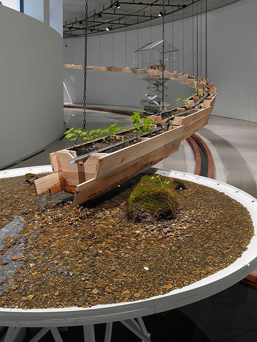 『相対温室』2014年 写真:山本糾 写真提供:国際芸術センター青森