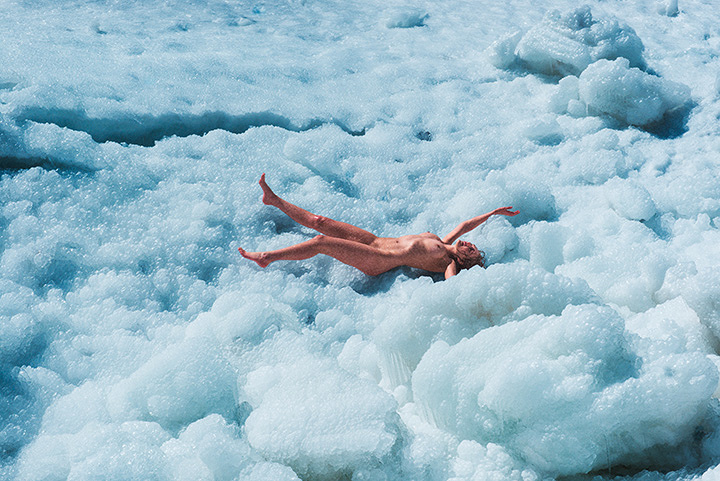 『Ivy (Bubbles)』Cプリント 2015 ©Ryan McGinley Courtesy the artist and Team Gallery, New York