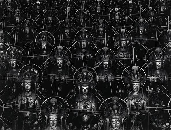杉本博司『Buddha_仏の海』1995年 ゼラチン・シルバー・プリント 119.4 x 119.2 cm(image) neg.#006