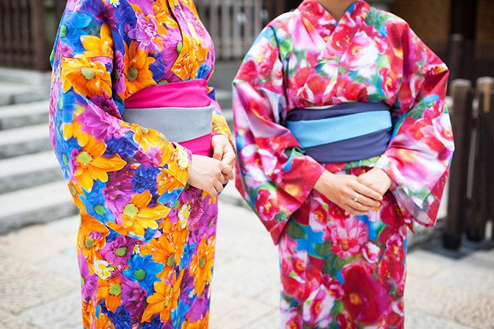 『蜷川実花×道後温泉 道後アート2015』オリジナル浴衣 ©mika ninagawa,Courtesy of Tomio Koyama Gallery/Dogoart2015
