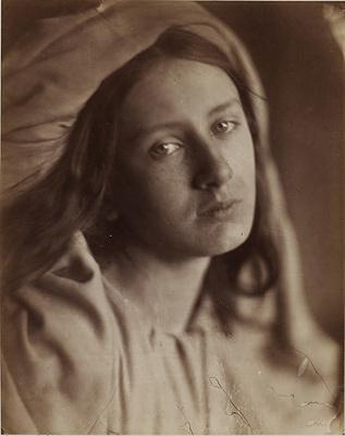 ジュリア・マーガレット・キャメロン『ベアトリーチェ』1866年 ヴィクトリア・アンド・アルバート博物館蔵 ©Victoria and Albert Museum, London