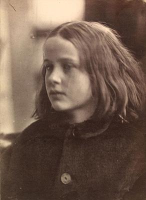 ジュリア・マーガレット・キャメロン『アニー』1864年 ヴィクトリア・アンド・アルバート博物館蔵 ©Victoria and Albert Museum, London