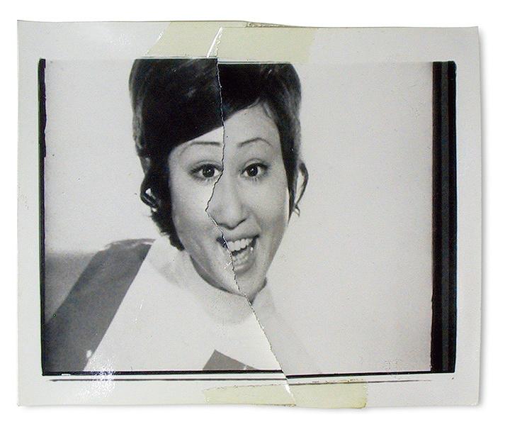 荒木経惟『切実』1972年、ゼラチン・シルバー・プリント 粘着テープ ©Nobuyoshi Araki UBS Art Collection