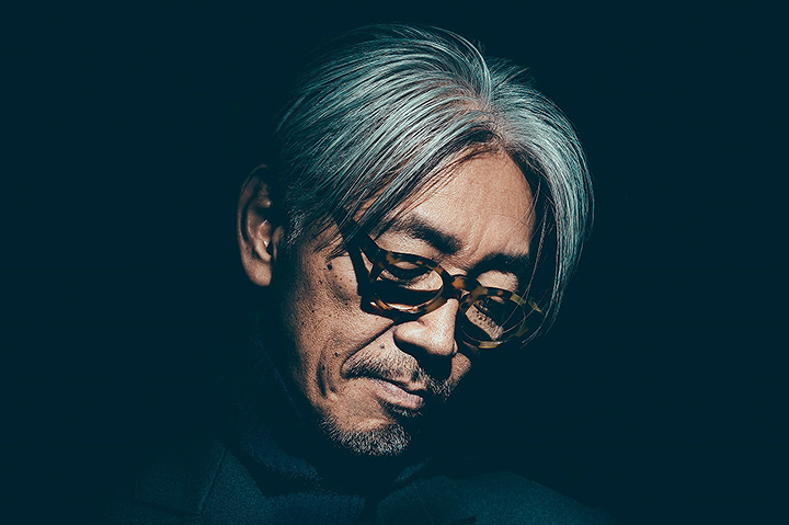 坂本龍一 Photograph by Chad Kamenshinv