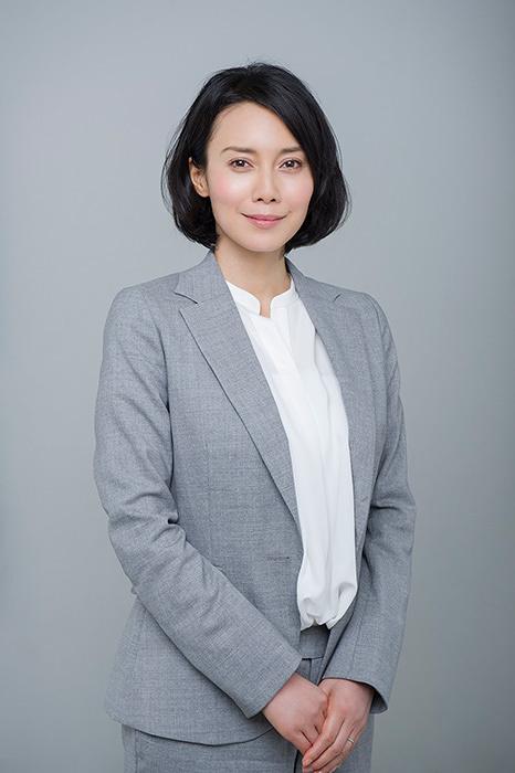前畑滋子役の中谷美紀 ©テレビ東京