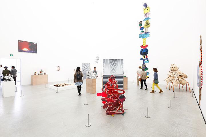 金沢21世紀美術館での展示風景 2015年 撮影:木奥恵三