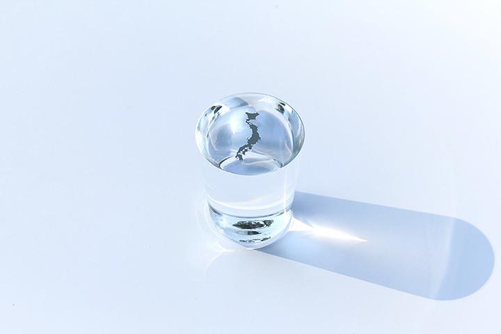 『日本列島の方位磁針』 ©Yasuhiro Suzuki