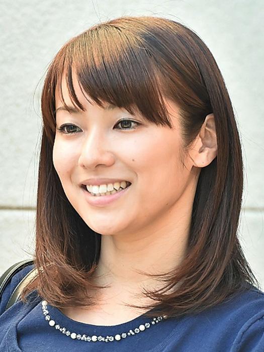 内山理名 ©テレビ東京