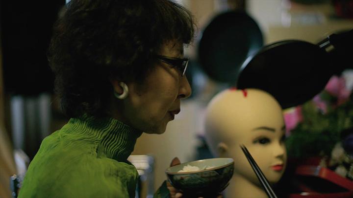 『食卓』(監督:小松孝)