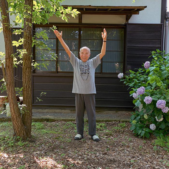 『木になった詩人』 撮影:岩本圭司