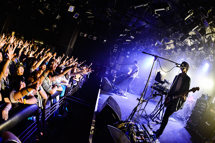 avengers in sci-fi 2016年7月10日に東京・渋谷CLUB QUATTROで行なわれたライブの様子 撮影:橋本塁(SOUND SHOOTER)