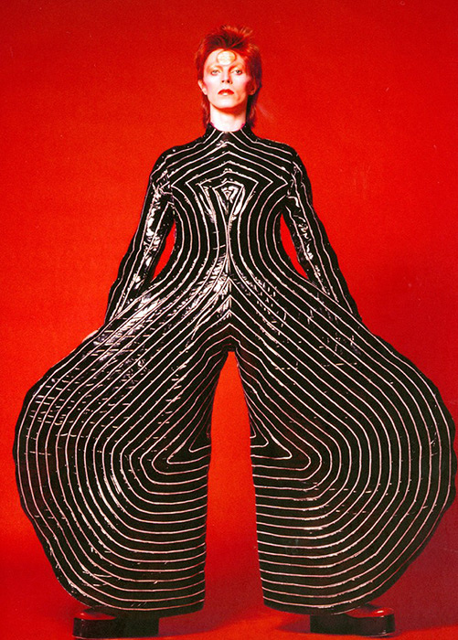 『DAVID BOWIE is』より Striped bodysuit for the Aladdin Sane tour, 1973. Design by Kansai Yamamoto. Photograph by Masayoshi Sukita ©Sukita / The David Bowie Archive
