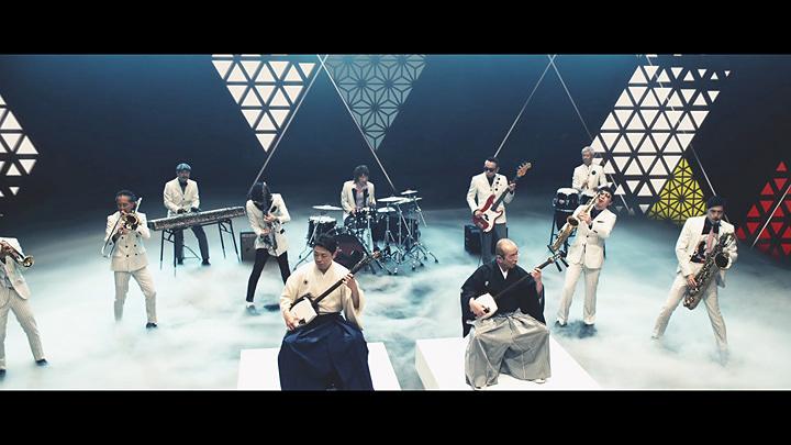 『氷結 あたらしくいこう WEB限定スペシャルムービー「志村けん×スカパラ」』より