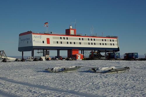 ノイマイヤーIII基地 写真提供:国立極地研究所