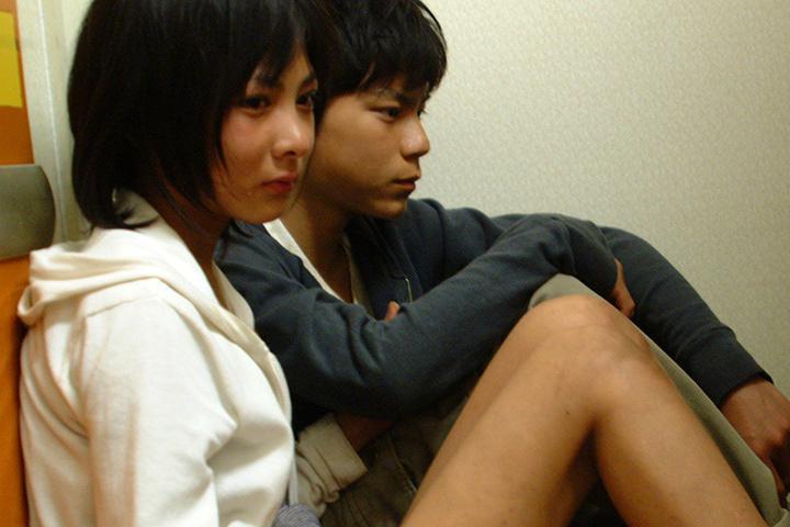 『カナリア』(監督:塩田明彦)