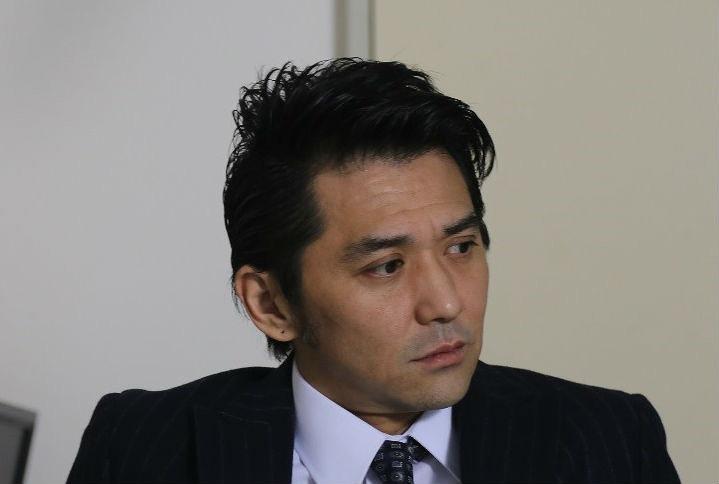 船田正志役の村上淳 ©テレビ東京