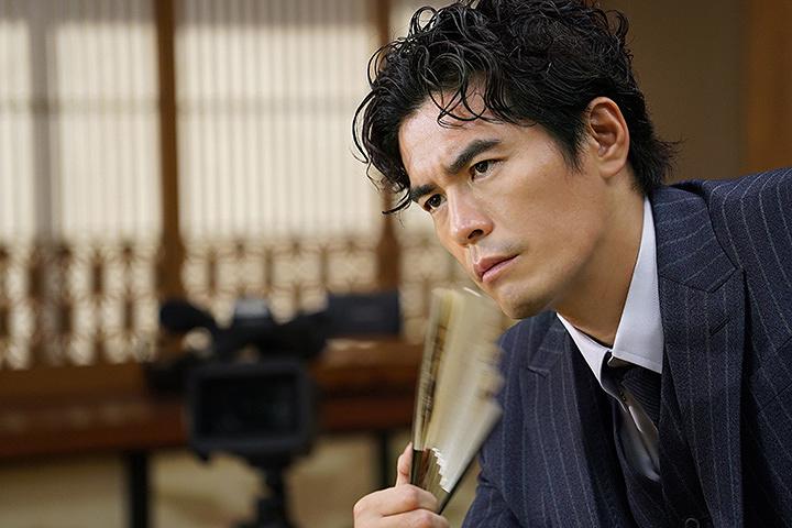 後藤正宗役の伊藤英明  ©2017 映画「3月のライオン」製作委員会