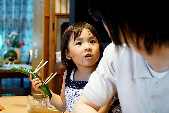 川本モモ役の新津ちせ ©2017 映画「3月のライオン」製作委員会