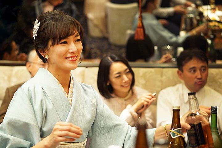 美咲役の板谷由夏 ©2017 映画「3月のライオン」製作委員会