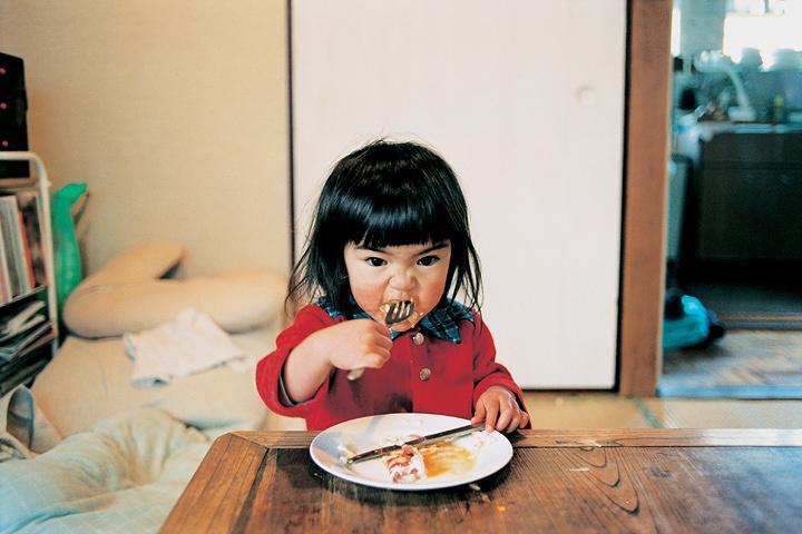 川島小鳥写真集『未来ちゃん』より ©Kotori Kawashima
